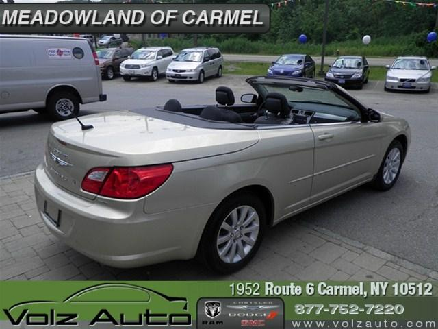 Image 42 of 2010 Chrysler Sebring…