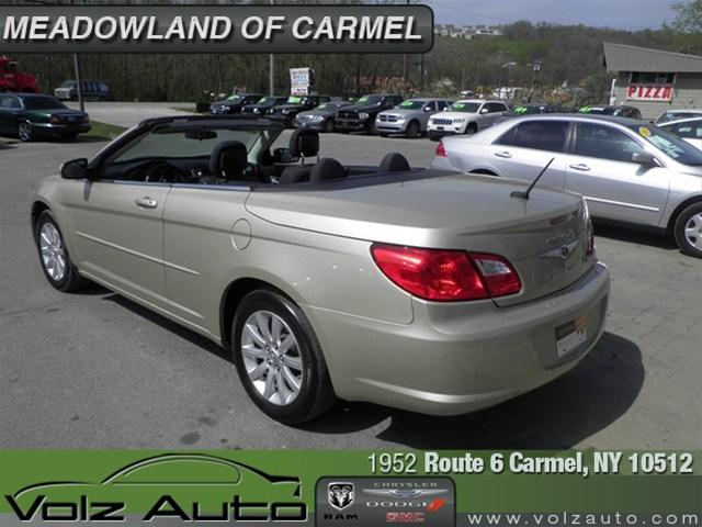 Image 46 of 2010 Chrysler Sebring…