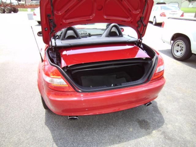 Image 12 of 2005 Mercedes-Benz SLK…