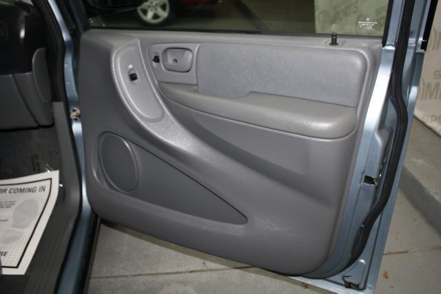 Image 2 of 2006 Dodge Caravan 6-Cylinder…