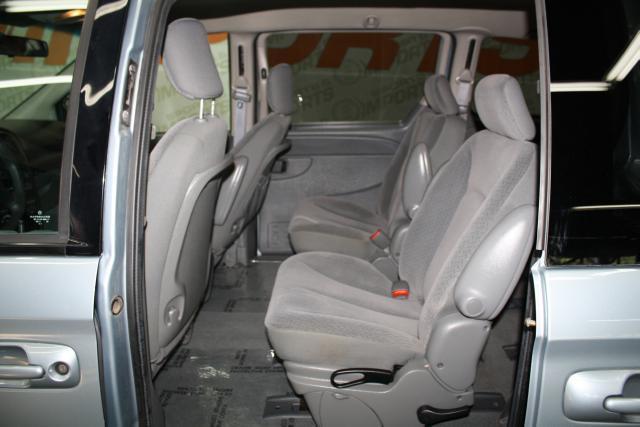 Image 3 of 2006 Dodge Caravan 6-Cylinder…