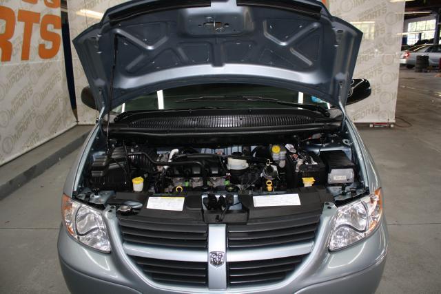 Image 4 of 2006 Dodge Caravan 6-Cylinder…