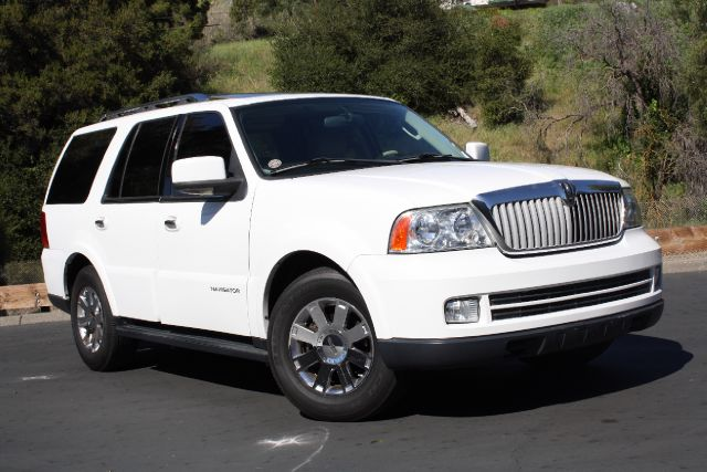 2005 Lincoln Navigator Premium - Hayward CA