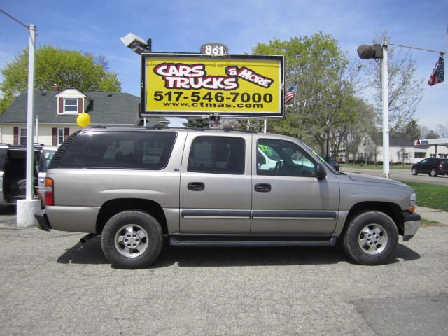 2002 CHEVROLET SUBURBAN 1500 4WD beige 2002 chevy suburban 1500 with 3rd row - seats up to 9 passe