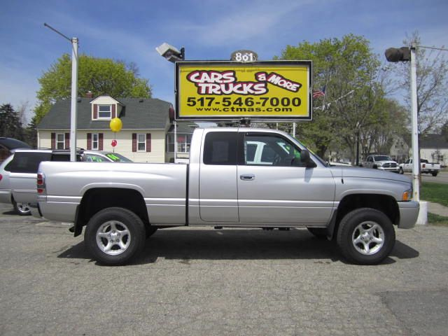 2001 DODGE RAM 1500 QUAD CAB SHORT BED 4WD silver 2001 dodge ram 1500 4x4 with lift  this pickup