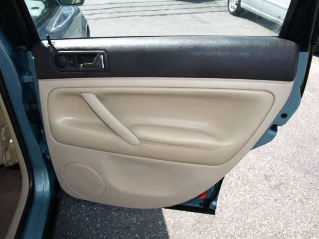 Image 8 of 1999 Volkswagen Passat…