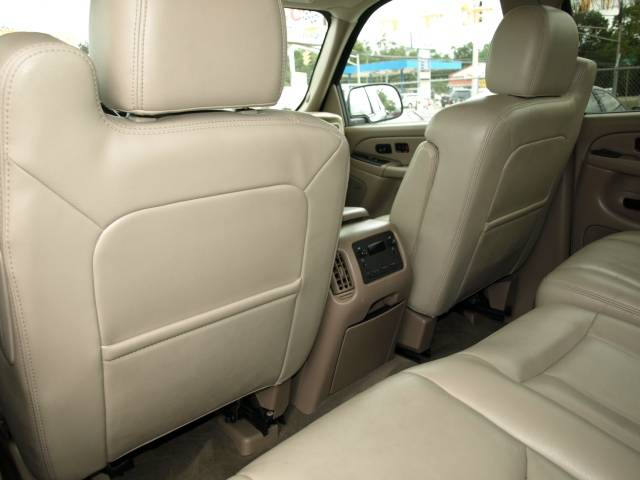 Image 4 of 2005 Chevrolet Avalanche…