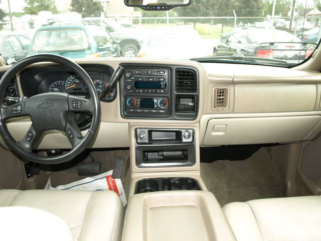 Image 5 of 2005 Chevrolet Avalanche…