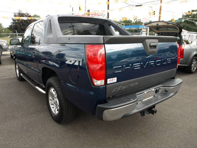 Image 19 of 2005 Chevrolet Avalanche…