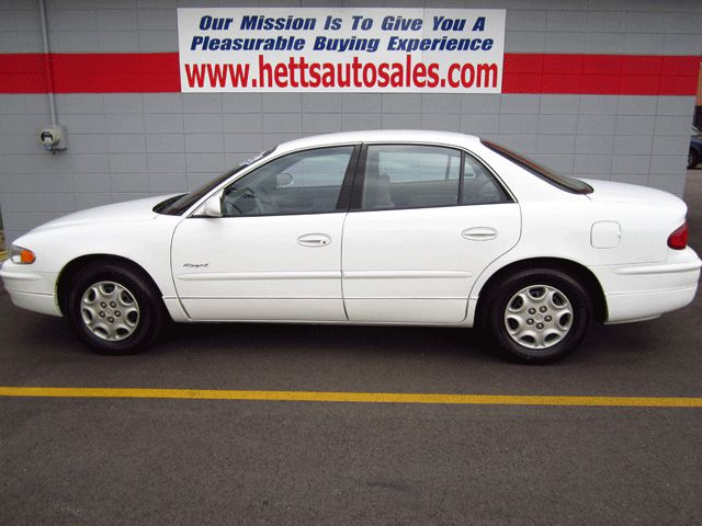 2000 Buick Regal - Oswego, IL