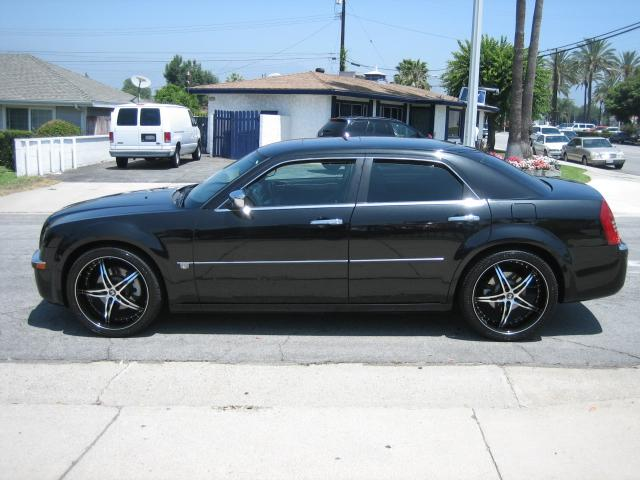 Used 2006 Chrysler 300c For Sale 953 N Citrus Ave Covina Ca 91722 Used Cars For Sale
