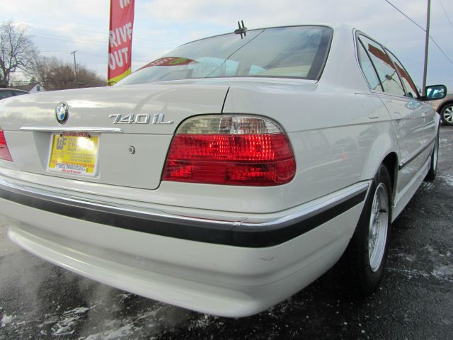 2001 BMW 7 series 740iL-LOADED NAVI - Dearborn Heights MI