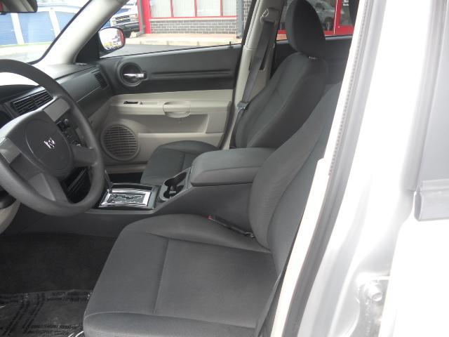 Image 2 of 2005 Dodge Magnum SE…