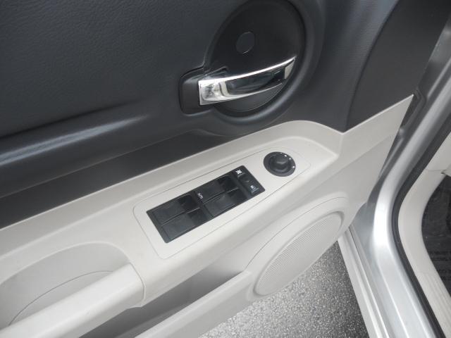 Image 3 of 2005 Dodge Magnum SE…
