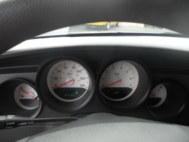 Image 4 of 2005 Dodge Magnum SE…