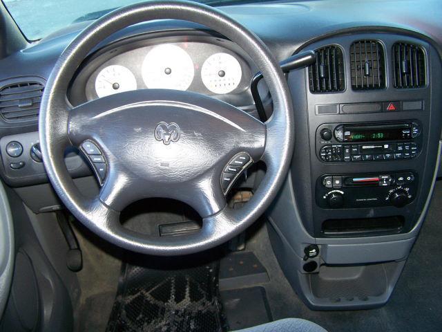 Image 14 of 2004 Dodge Caravan SXT…