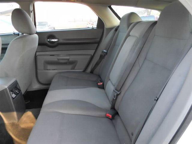 Image 2 of 2005 Dodge Magnum 4dr…