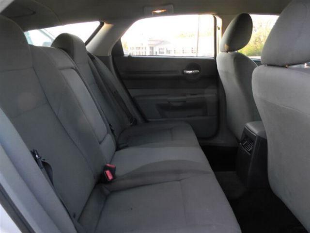 Image 4 of 2005 Dodge Magnum 4dr…