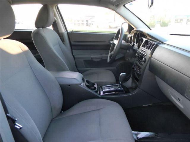 Image 7 of 2005 Dodge Magnum 4dr…