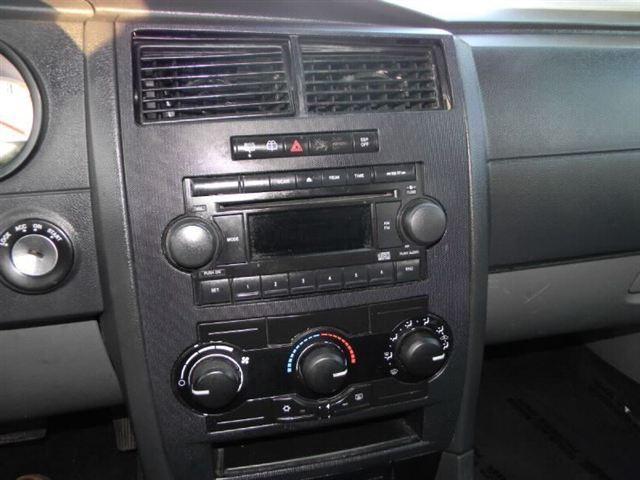 Image 10 of 2005 Dodge Magnum 4dr…