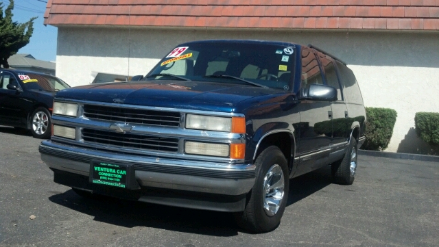 1999 CHEVROLET SUBURBAN C1500 2WD blue great for your family we offer easy financing same day ap