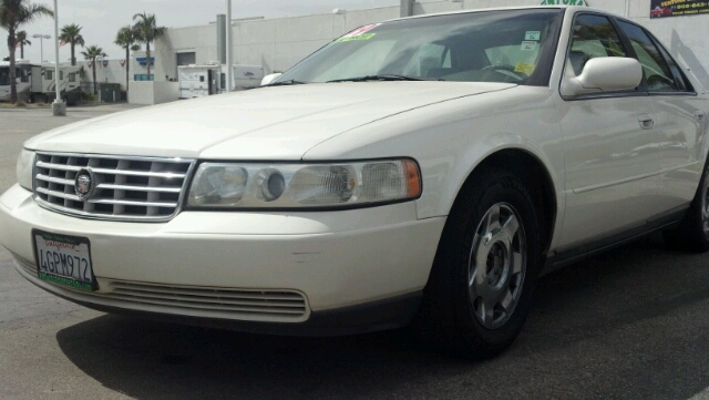 1999 CADILLAC SEVILLE SLS white 2 wheel drive4 doorair conditioningalarmalloy wheelsamfm rad