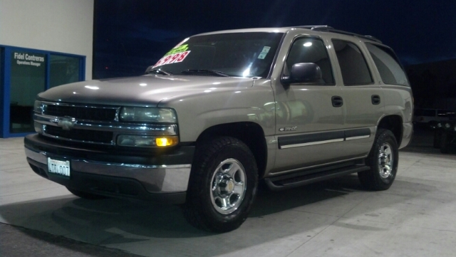 2001 CHEVROLET TAHOE LS silver riding smooth and steady while on the road  the chevrolet tahoe sti
