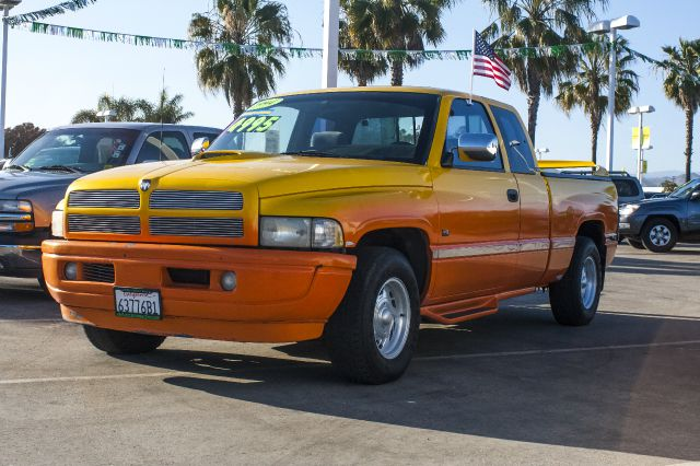 1995 DODGE RAM 1500 ST CLUB CAB 65-FT BED 2WD orange and yellow abs brakesanti-brake system 2-