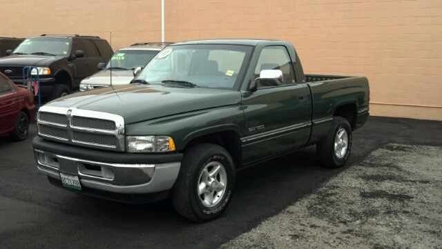 1997 DODGE RAM 1500 BASE green best buy great mpg all electrical and optional equipment on this