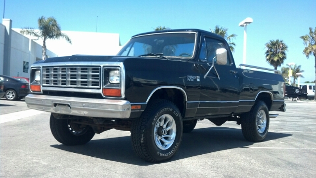 1985 DODGE W250 PICKUP black out of state buyers only sorry everyone we cannot sell in californi