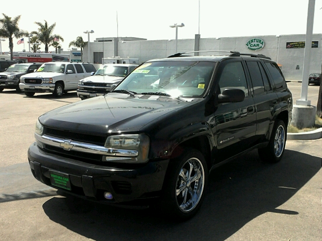 2004 CHEVROLET TRAILBLAZER LS black 128817 miles VIN 1GNDS13SO42119022 CALL FOR INTERNET SPECI
