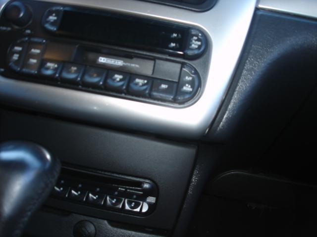 Image 33 of 2005 Chrysler Sebring…