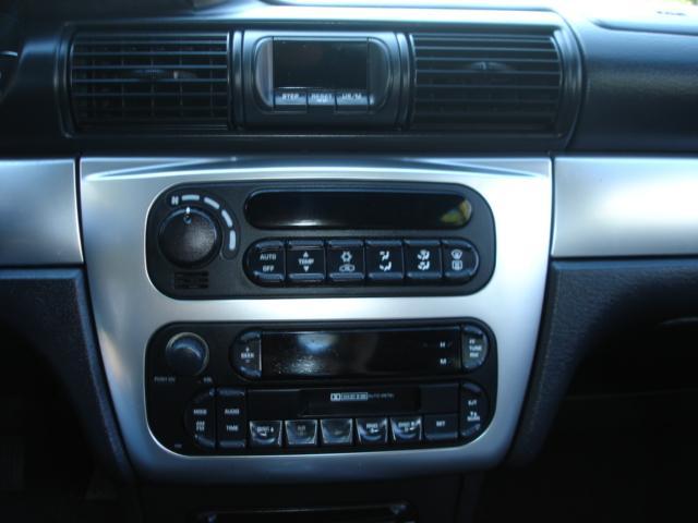 Image 34 of 2005 Chrysler Sebring…
