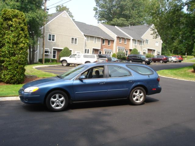 Image 1 of 2002 Ford Taurus SE…
