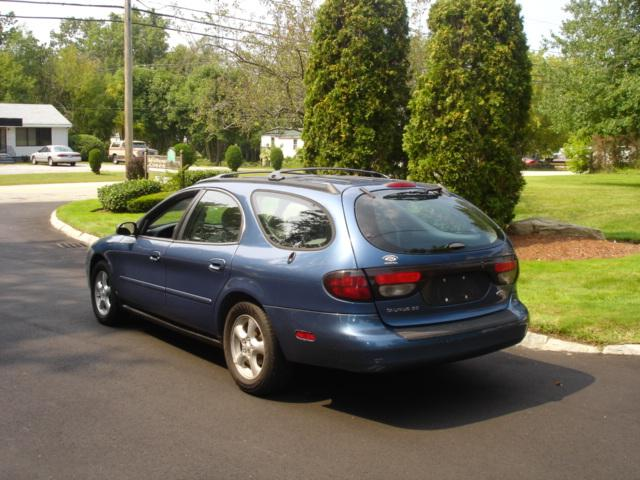 Image 17 of 2002 Ford Taurus SE…