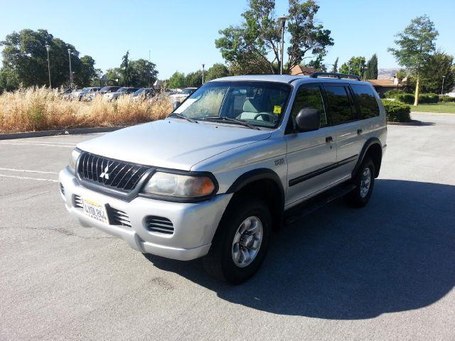 2002 Mitsubishi Montero Sport