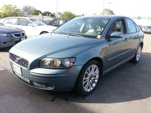 2005 Volvo S40