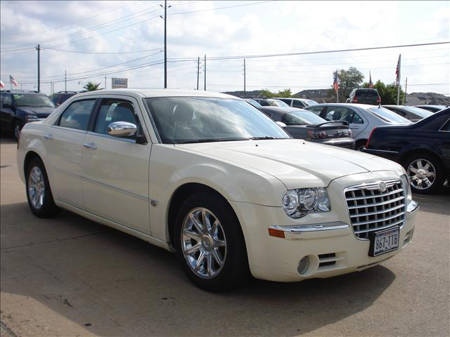 2005 chrysler 300c 1990 hwy 6 south houston tx 77077 used cars for sale. Black Bedroom Furniture Sets. Home Design Ideas
