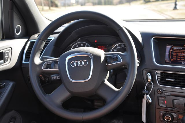 "2011 Audi Q5 PREMIUM PLUS ""S-LINE"" - Chantilly, Va VA"