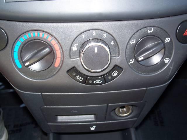 Image 14 of 2009 Chevrolet Aveo5…