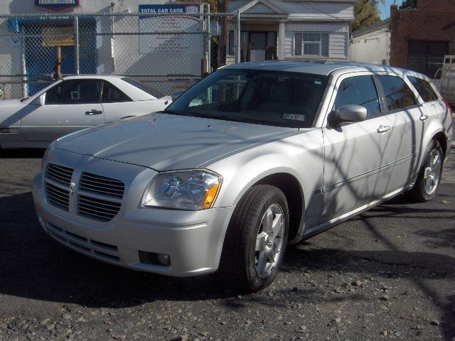 2006 Dodge Magnum SXT/AWD For Sale In Irvington NJ - Thrift Motors INC