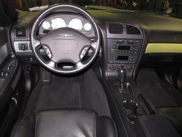 Image 36 of 2004 Ford Thunderbird…