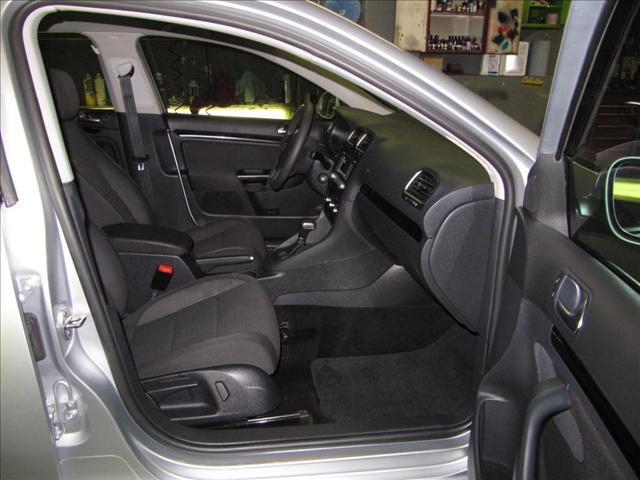 Image 3 of 2010 Volkswagen Jetta…