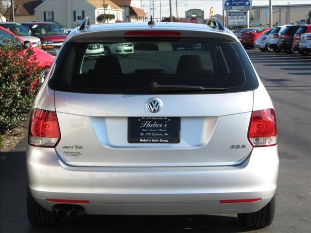 Image 13 of 2010 Volkswagen Jetta…