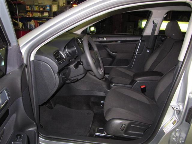 Image 21 of 2010 Volkswagen Jetta…