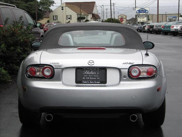 Image 17 of 2006 Mazda MX-5 Miata…