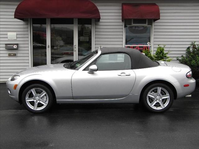 Image 18 of 2006 Mazda MX-5 Miata…