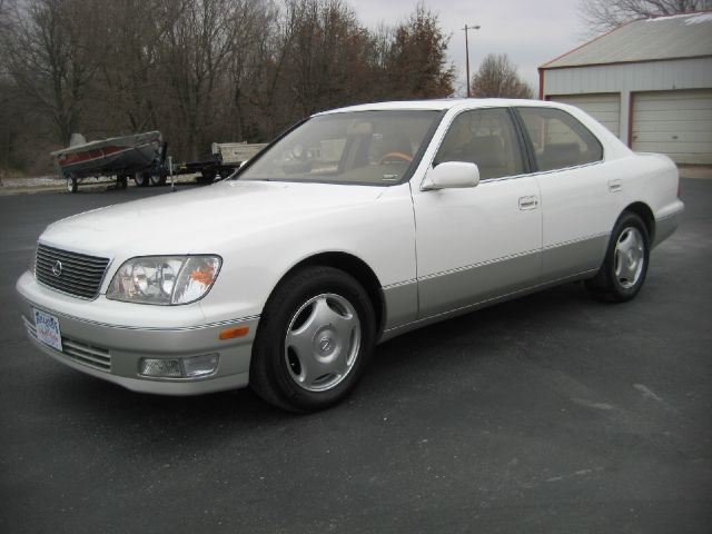 1999 Lexus LS 400