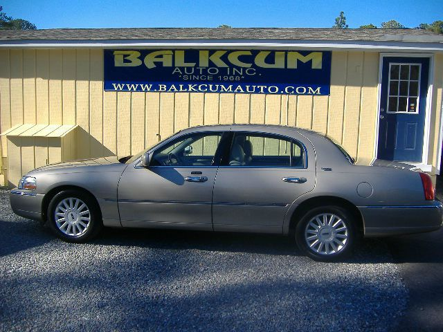 2005 Lincoln Town Car