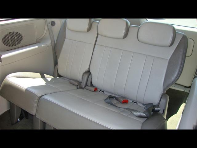 Image 3 of 2007 Chrysler Town &…